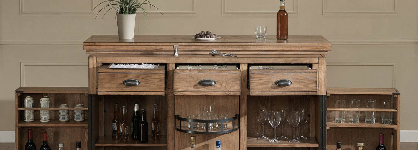 How to Decorate a Home Bar